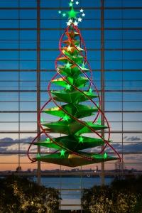 starlight-christmas-tree