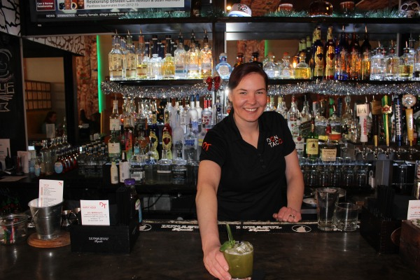 behind-the-bar-alexis
