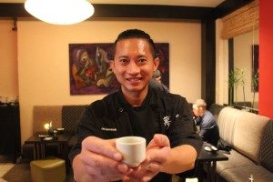 the-sushi-bar-chef-peter-kannassute